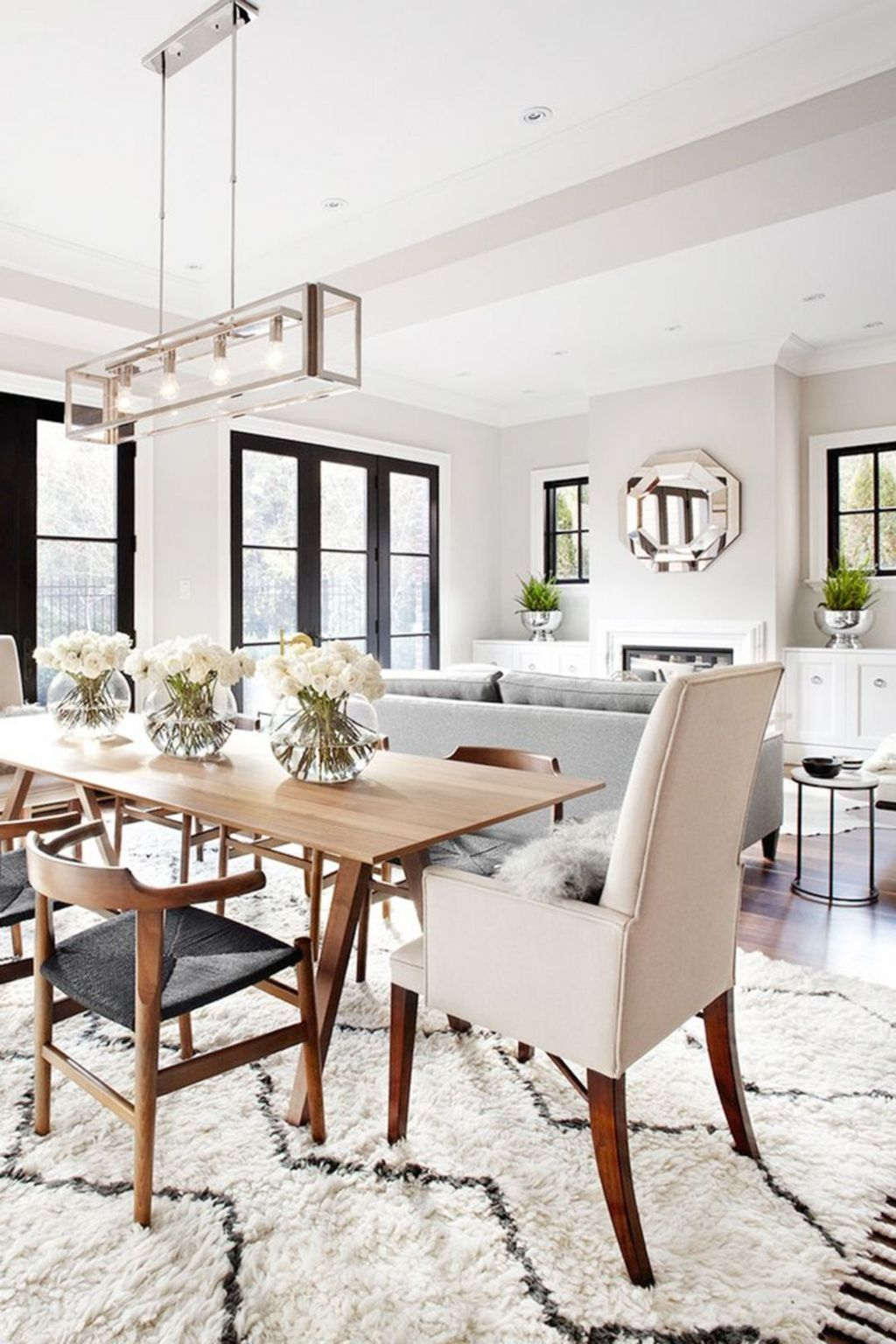 Lovely Family Dining Room Design And Decor Ideas 09