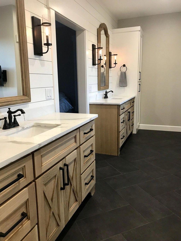 Lovely Farmhouse Bathroom Design Ideas 14
