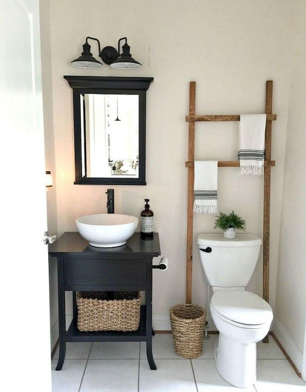 Lovely Farmhouse Bathroom Design Ideas 21