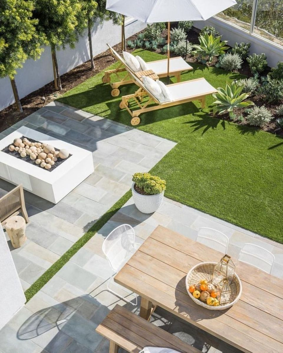 Lovely Small Home Garden Ideas That You Will Want 14
