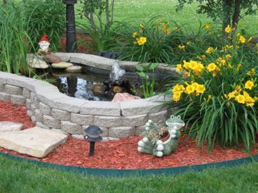 Nice Fish Ponds Backyard Decoration Ideas 10