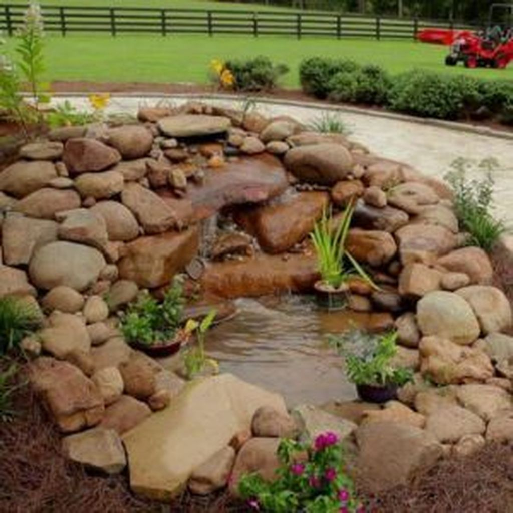 Nice Fish Ponds Backyard Decoration Ideas 18