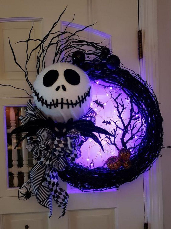 Stunning DIY Halloween Decorations Ideas 14