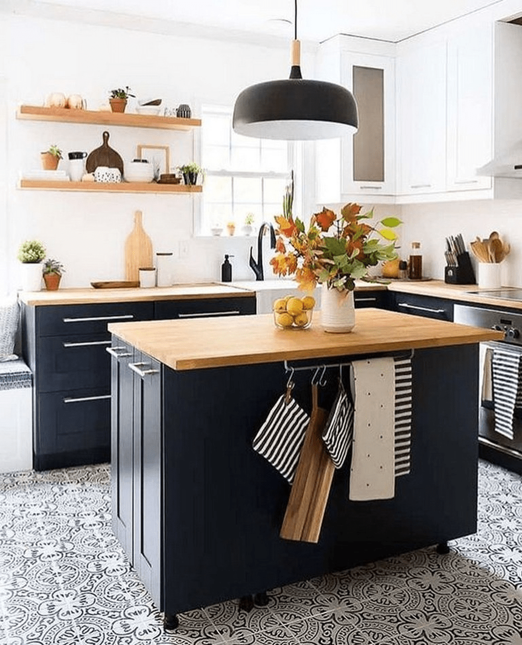 Stunning Navy Kitchen Cabinets Ideas You Have Must See 12