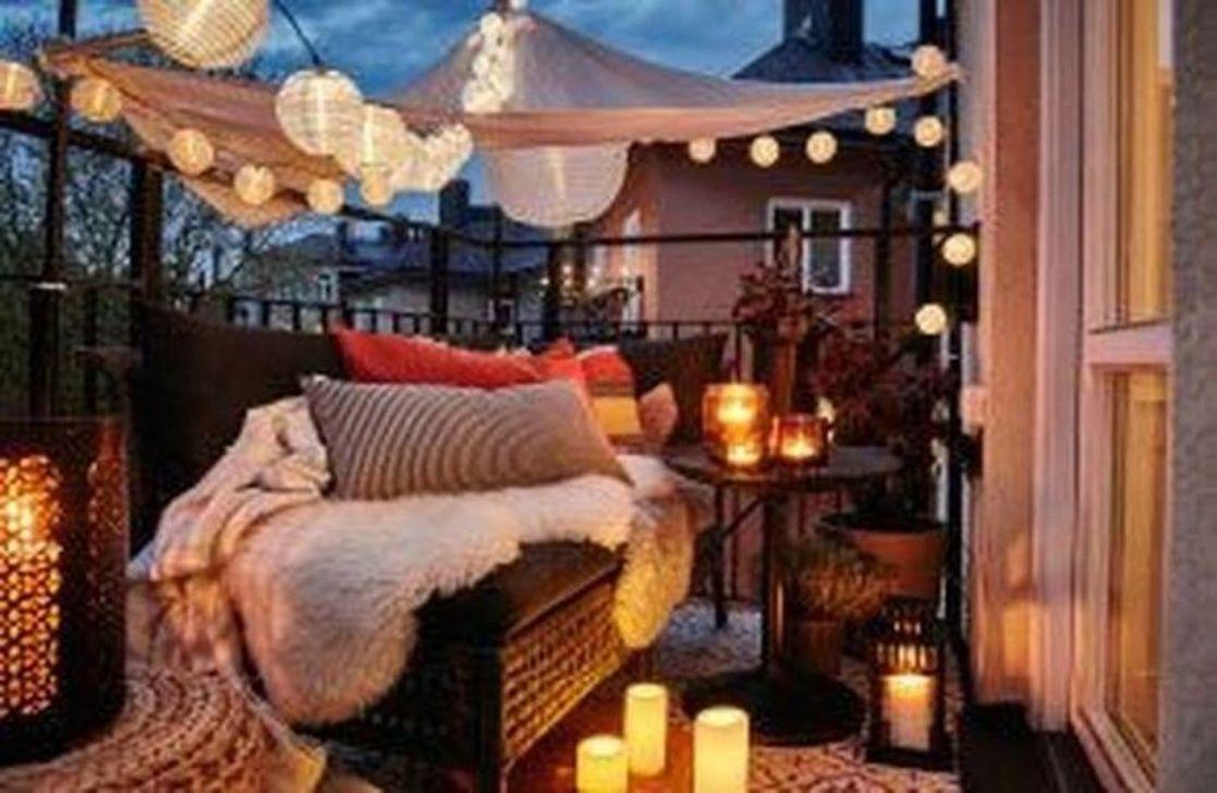 The Best Apartment Balcony Decor Ideas For Fall Season 19