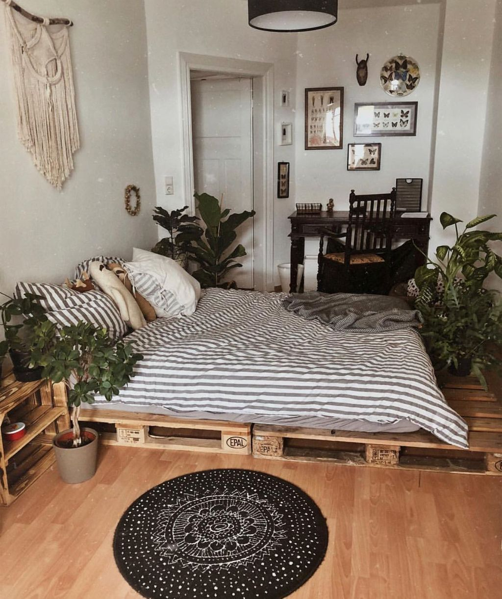 The Best Simple Bedroom Decor Ideas You Must Try 26