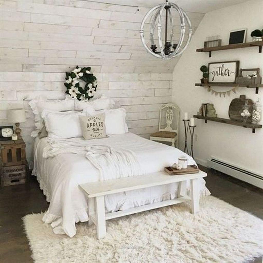 Wonderful Farmhouse Bedroom Decoration Ideas 13