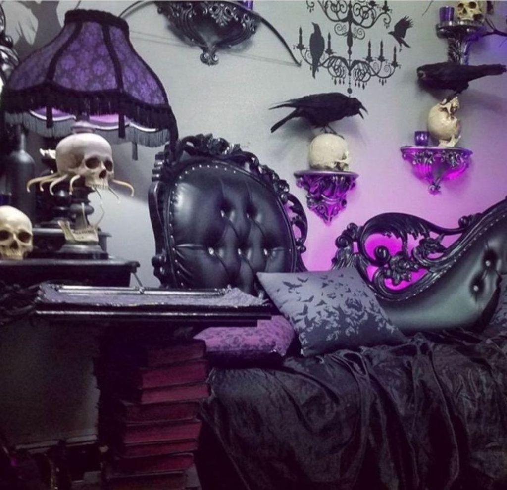 Amazing Bedroom Decoration Ideas With Halloween Theme 17