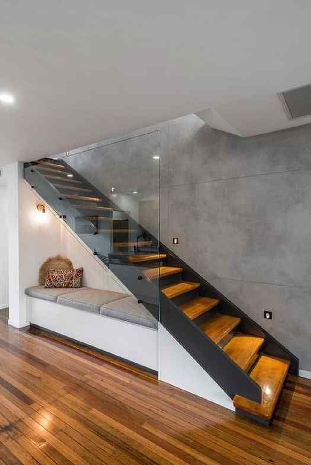 Beautiful Home Stairs Design Ideas With Modern Style 15