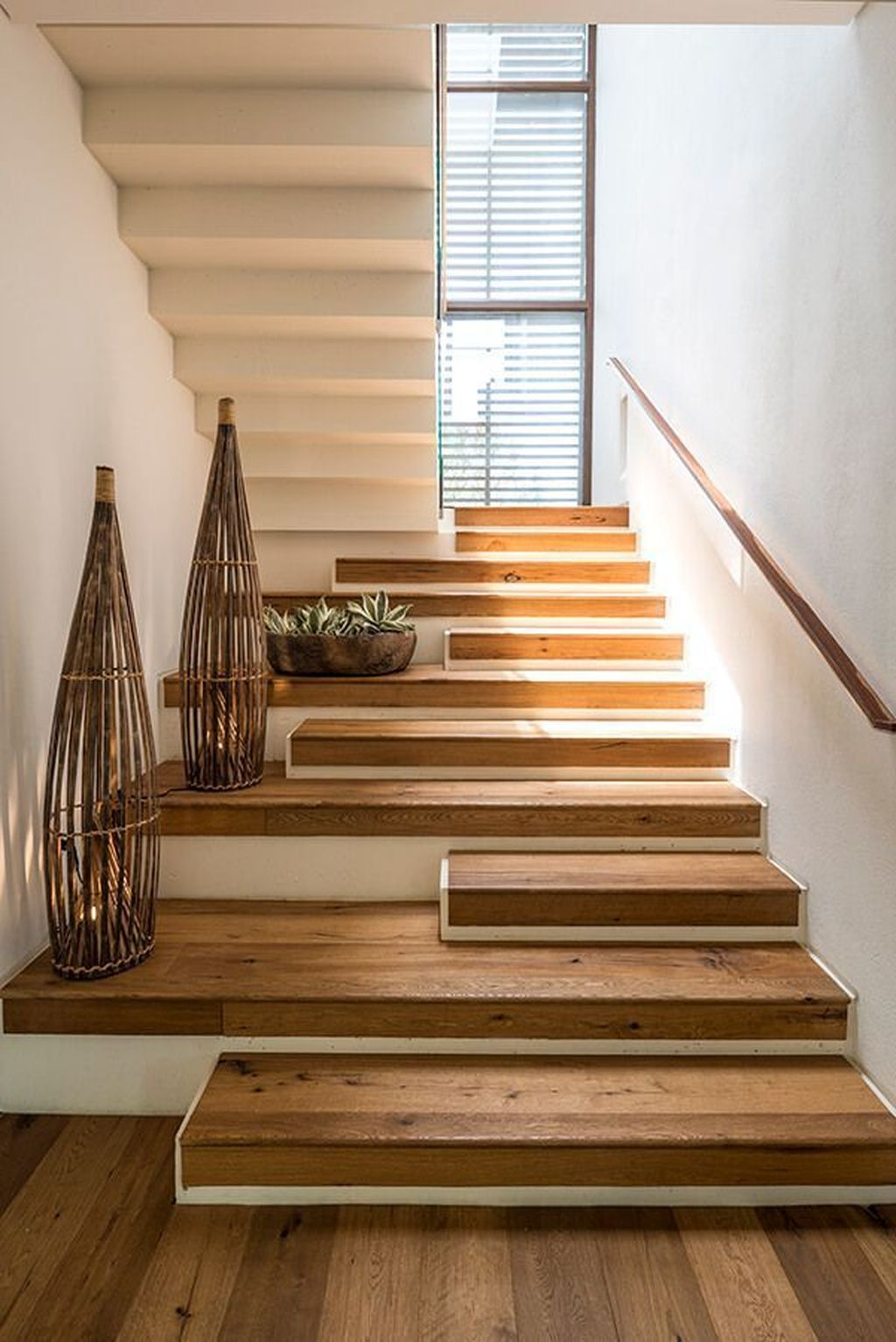 Beautiful Home Stairs Design Ideas With Modern Style 22