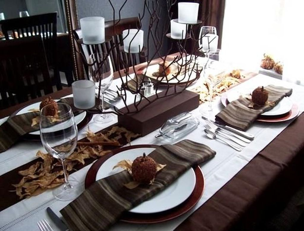 Fabulous Halloween Theme Dining Table Decor Ideas 18