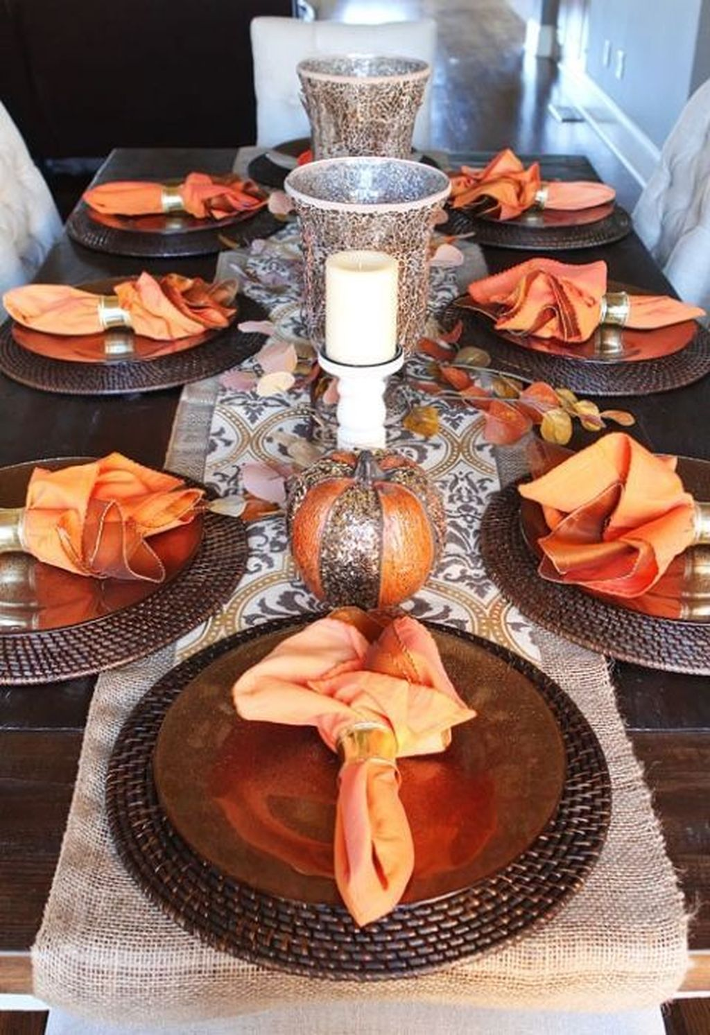 Fabulous Halloween Theme Dining Table Decor Ideas 31