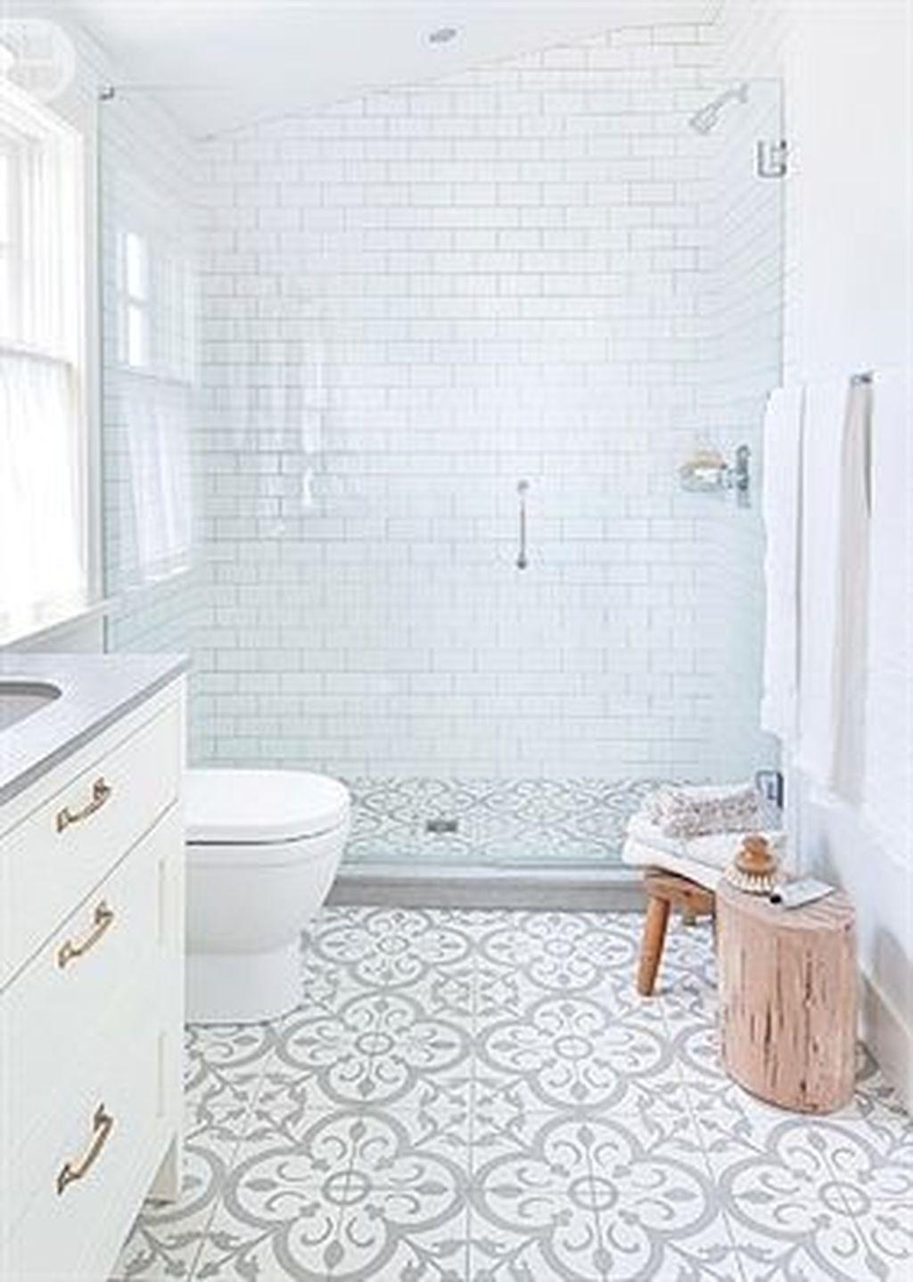 Inspiring Bathroom Tile Ideas 16