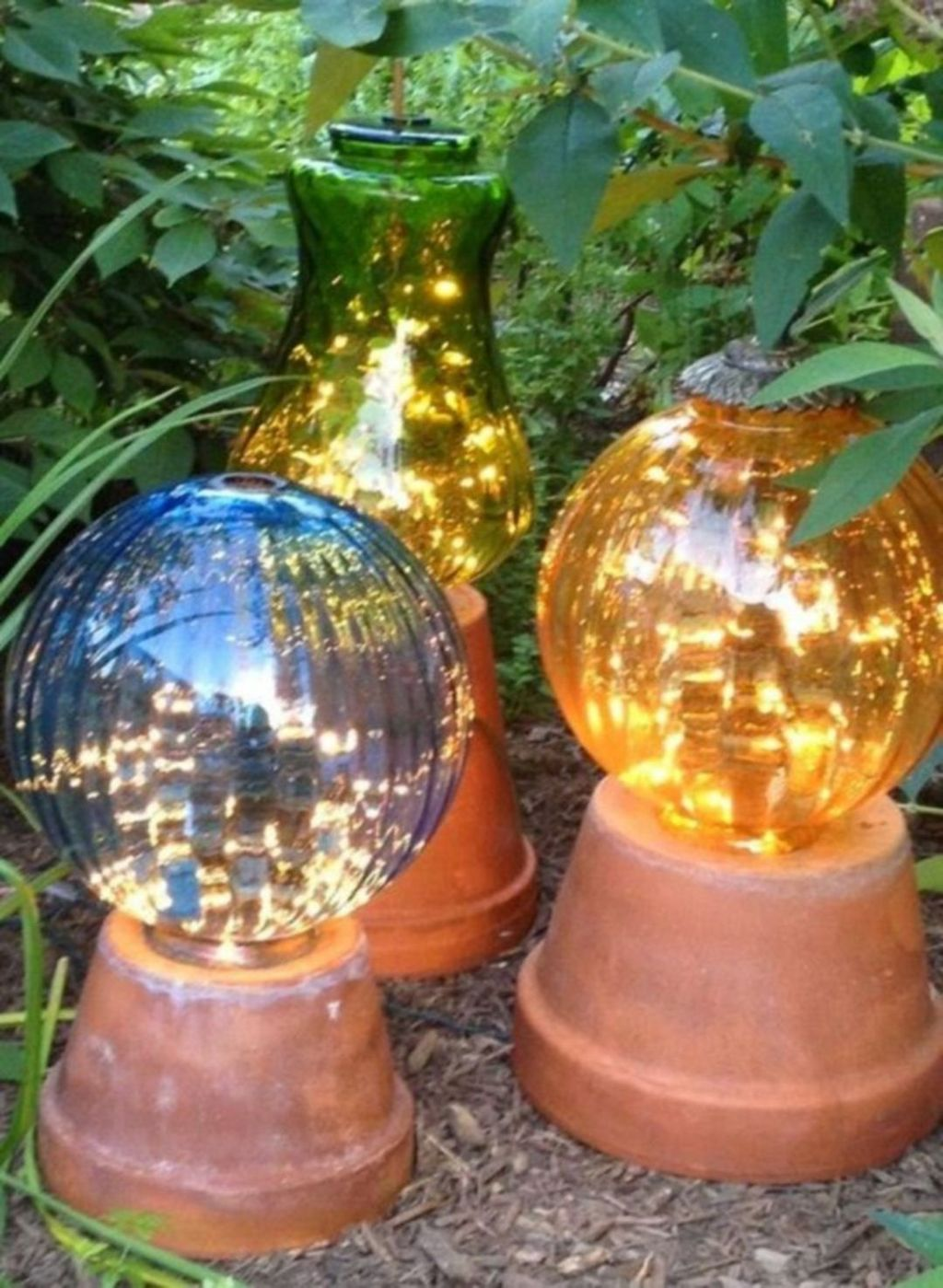 Inspiring Garden Lamps Ideas For Outdoors Decor 17