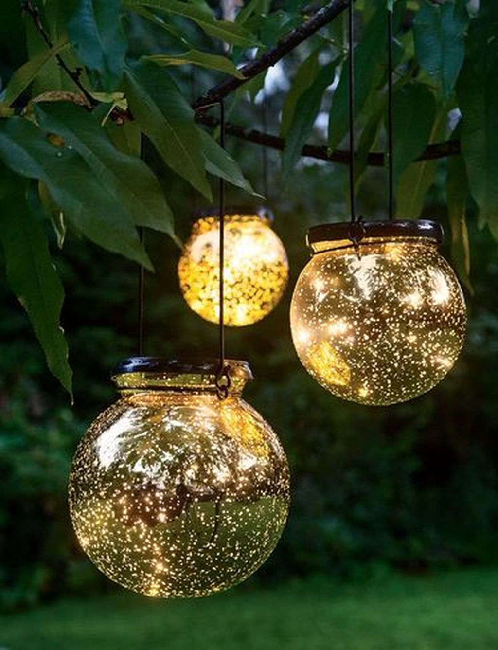 Inspiring Garden Lamps Ideas For Outdoors Decor 18