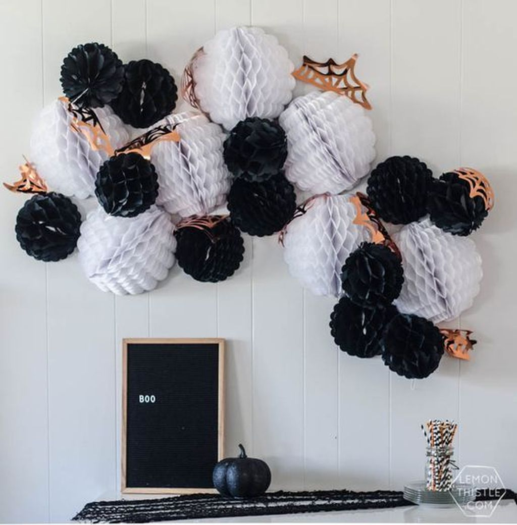 Stunning Black And White Halloween Decor Ideas For Your Home 20