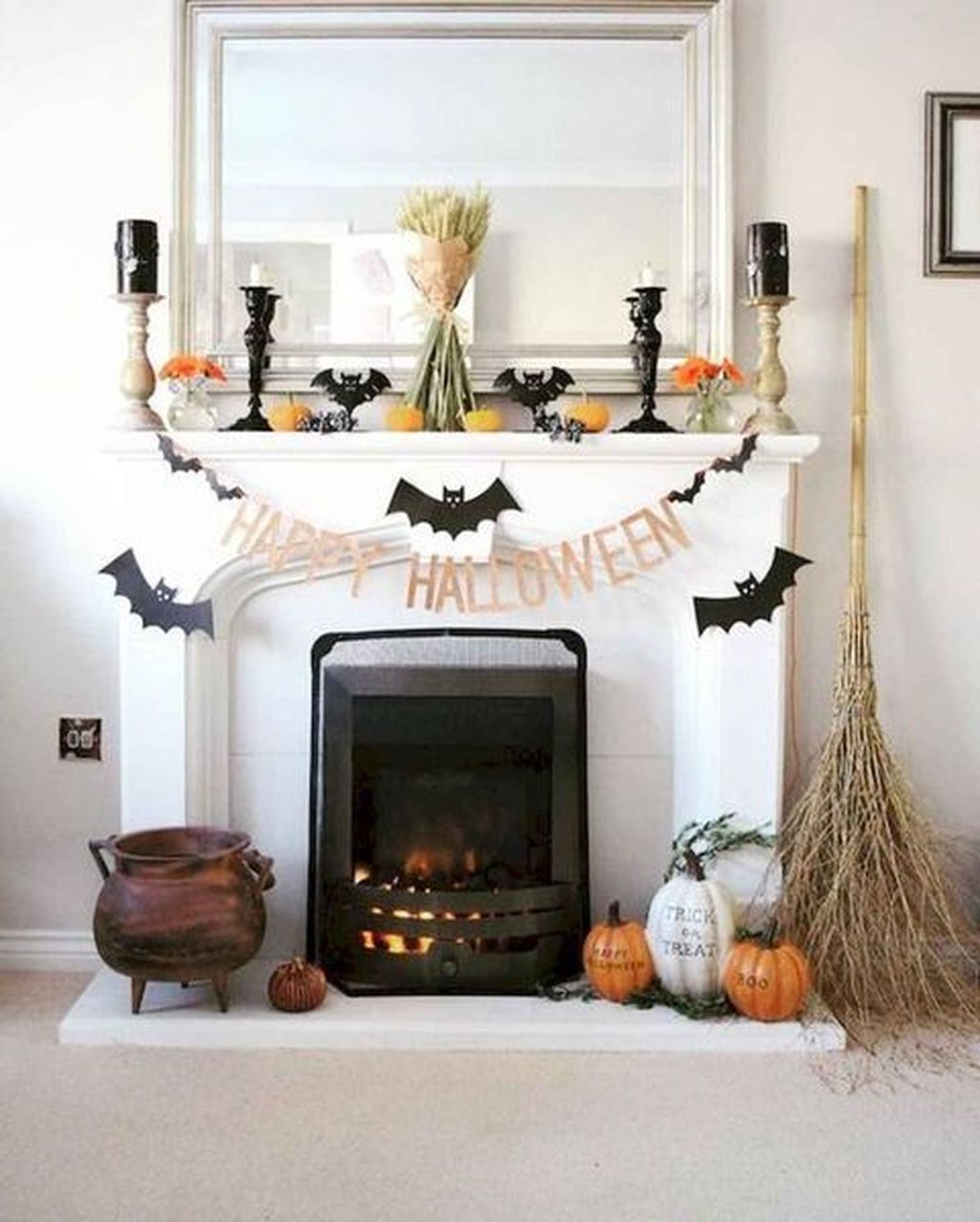 Stunning Halloween Living Room Decor Ideas Looks Scary 08
