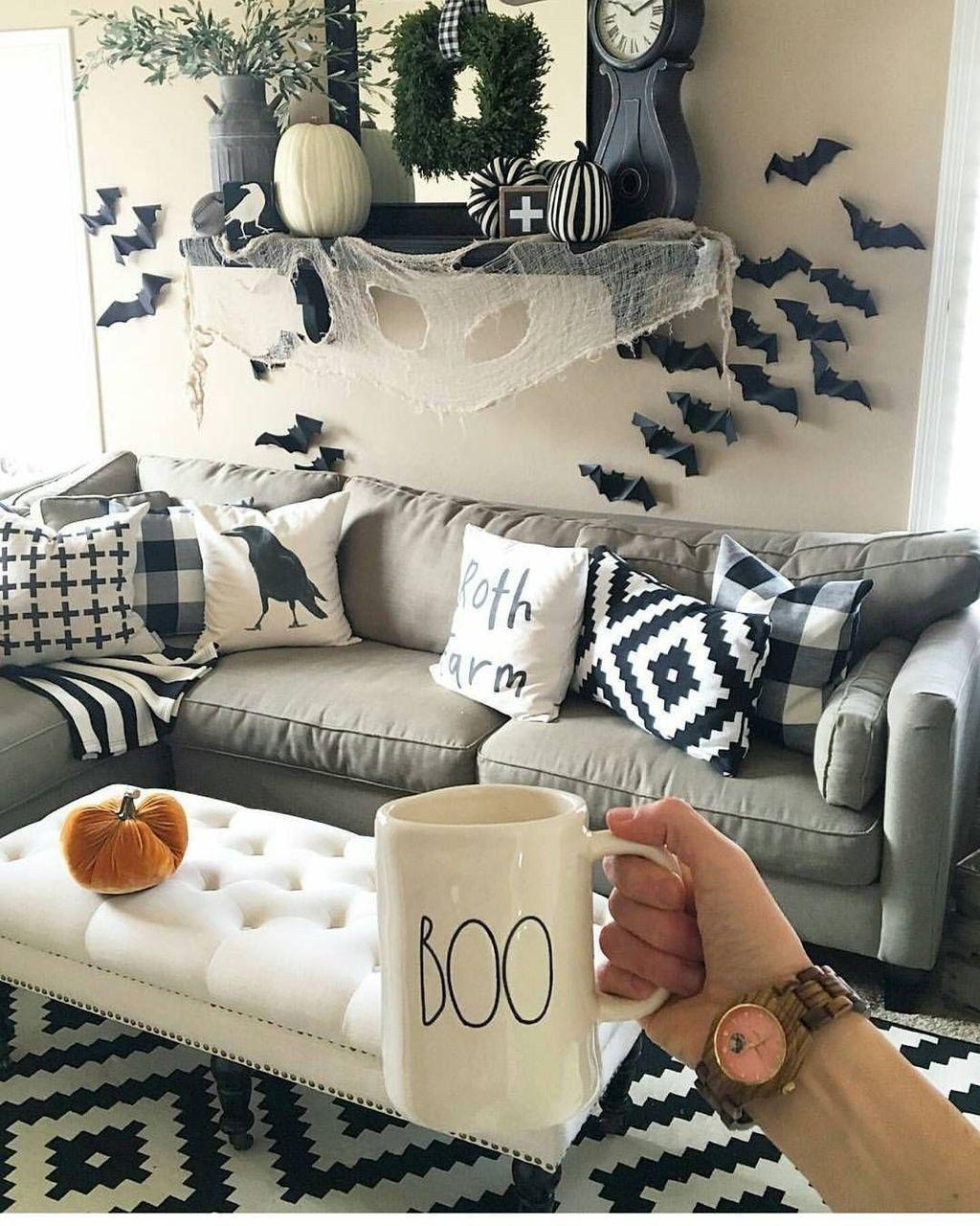 Stunning Halloween Living Room Decor Ideas Looks Scary 19