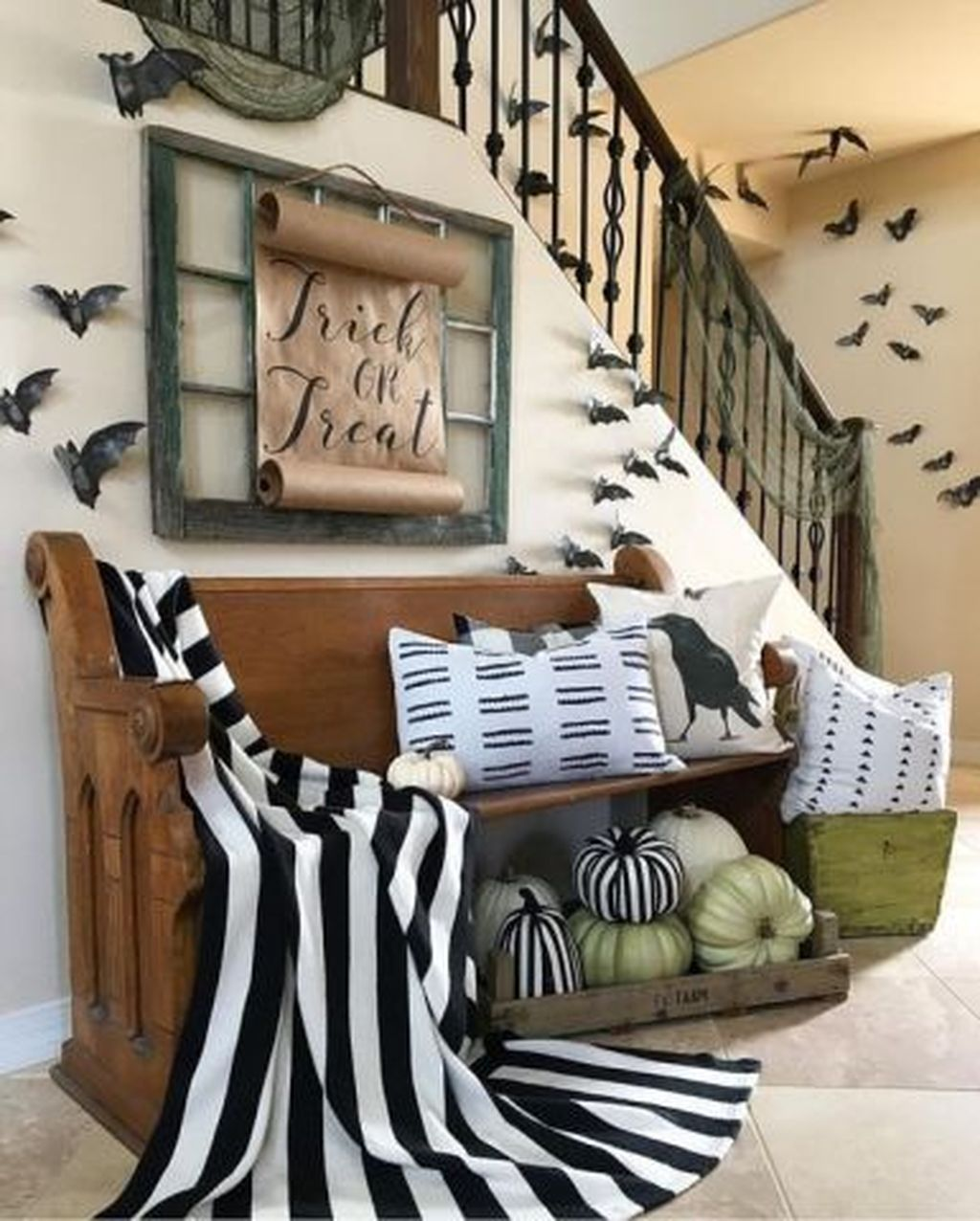 Stunning Halloween Living Room Decor Ideas Looks Scary 21