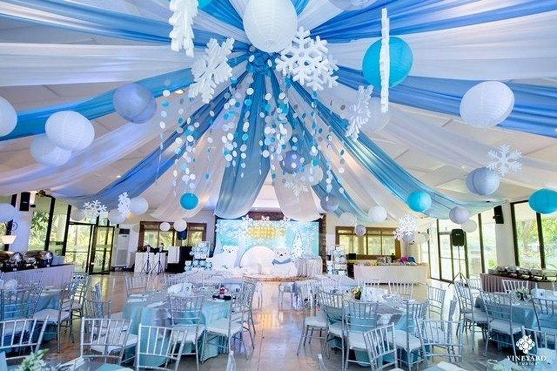Awesome Winter Wonderland Party Decorations Ideas 06