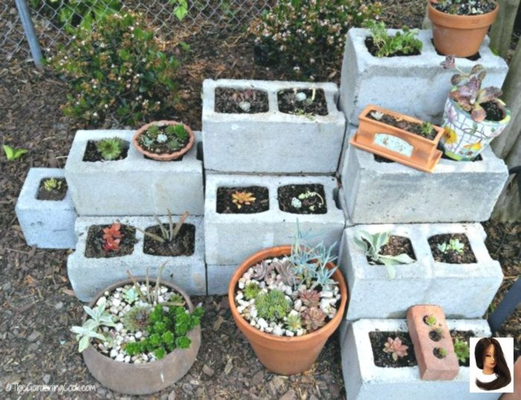 Beautiful Outdoor Succulent Planter Ideas 14