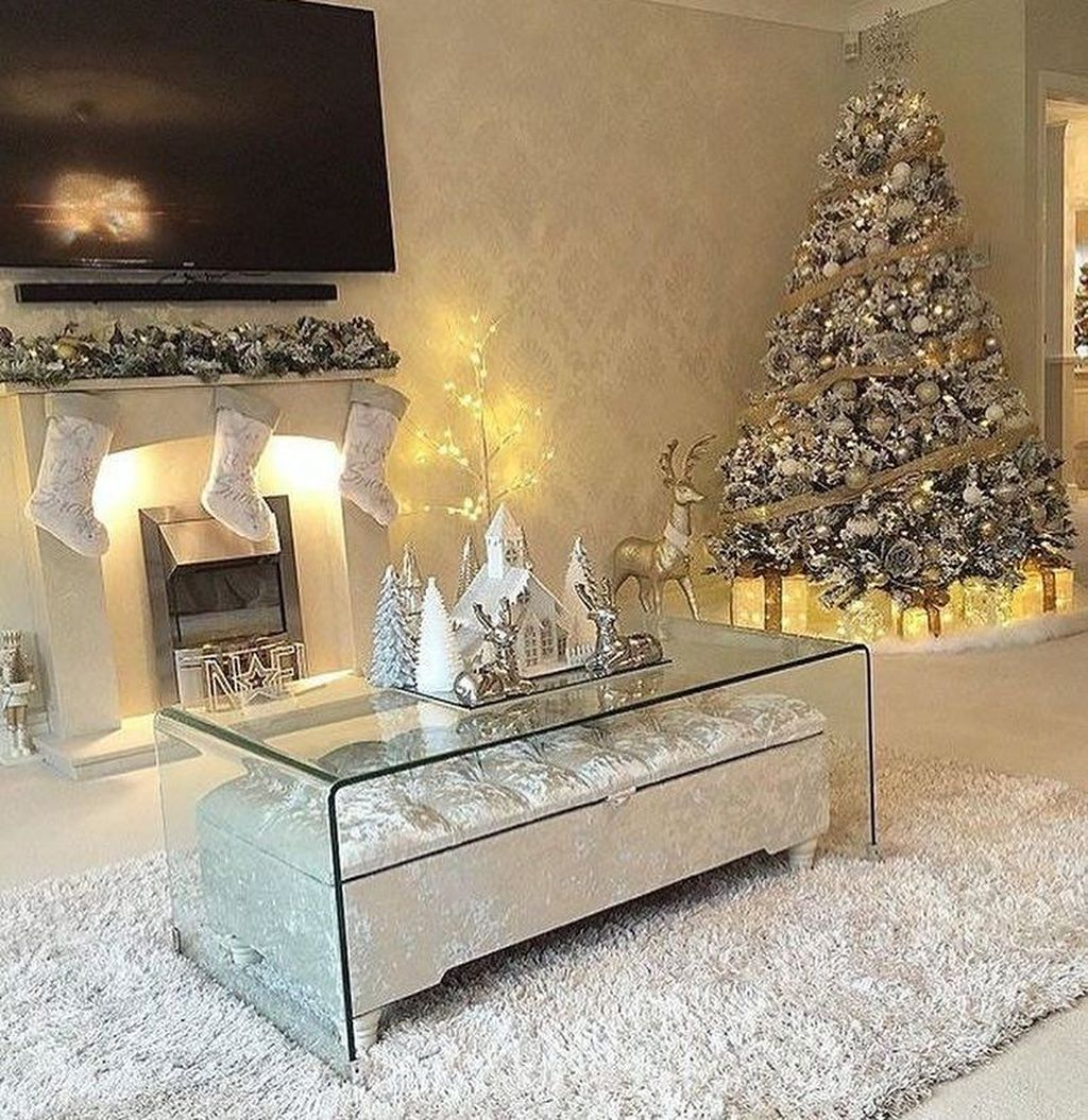 Fabulous Winter Living Room Decor Ideas 15
