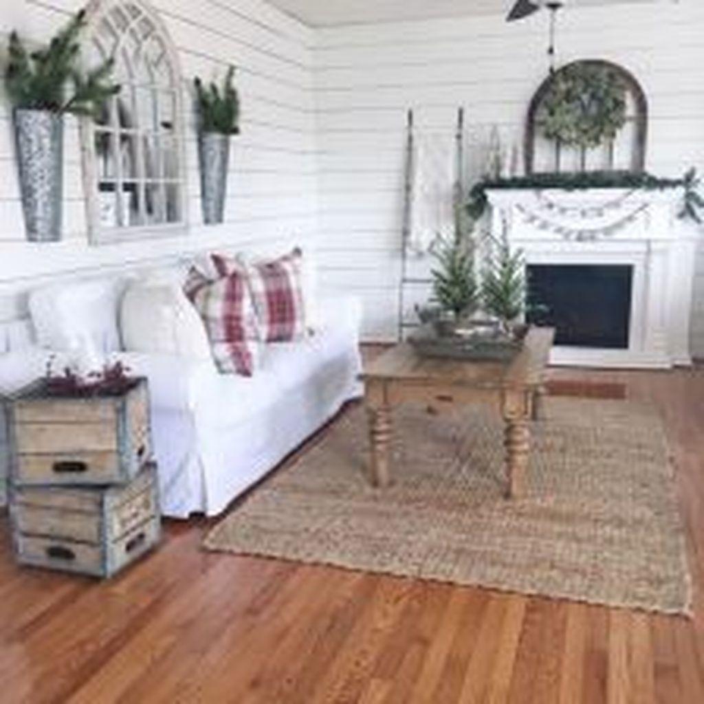 Fabulous Winter Living Room Decor Ideas 23