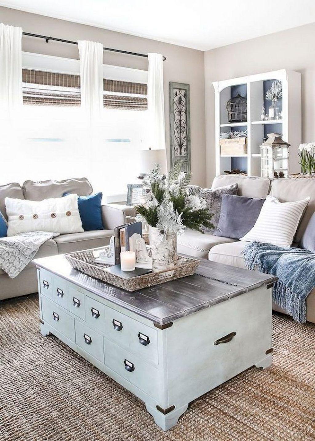 Fabulous Winter Living Room Decor Ideas 25