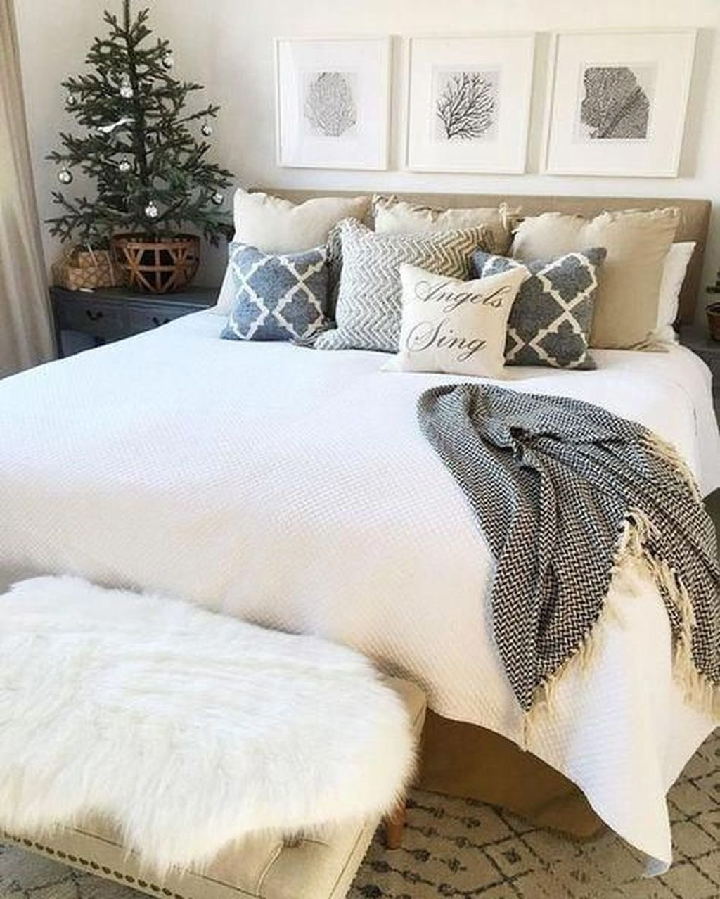 Gorgeous Master Bedroom Decor Ideas For Wintertime 04