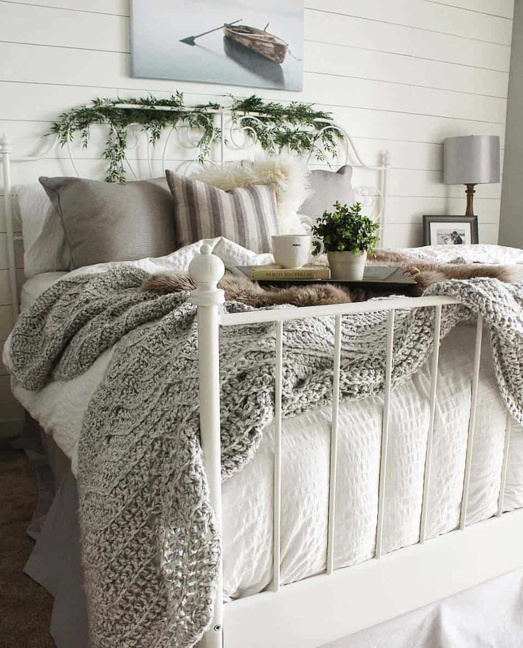 Gorgeous Master Bedroom Decor Ideas For Wintertime 11