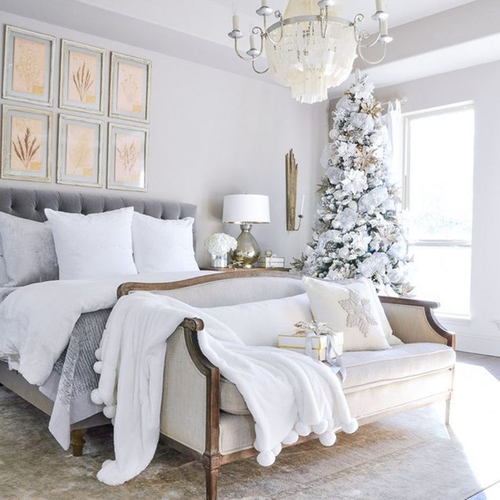 Gorgeous Master Bedroom Decor Ideas For Wintertime 20