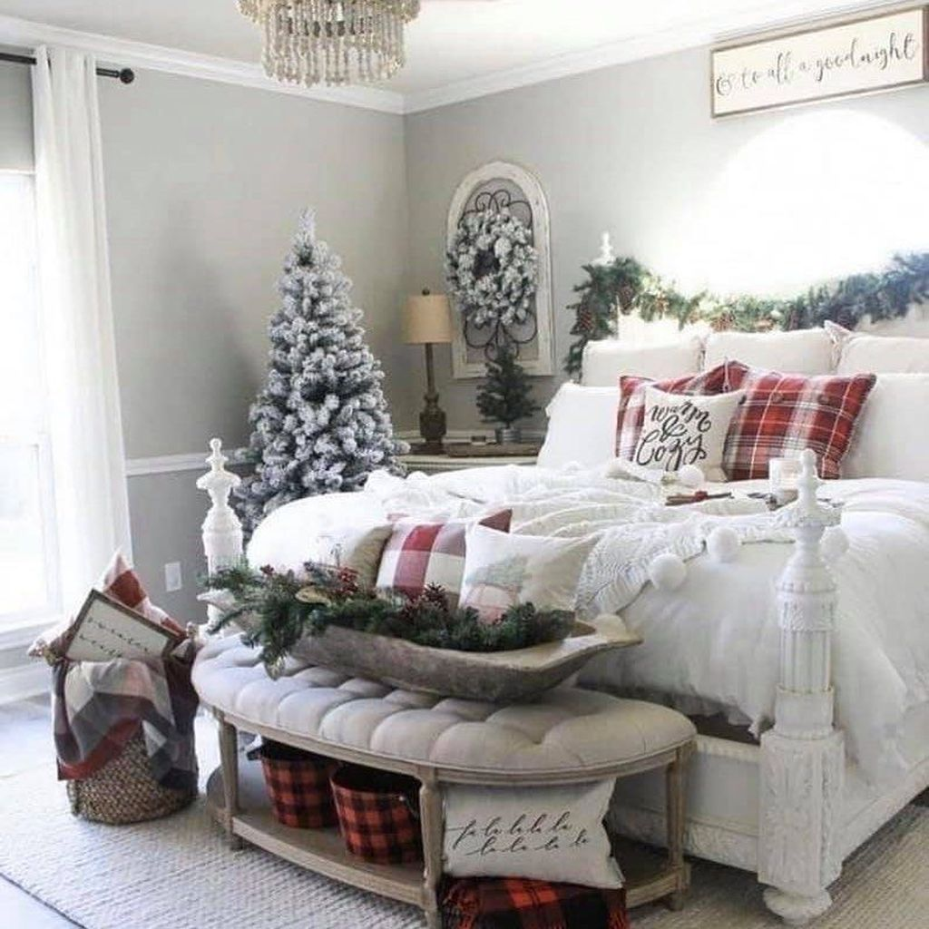 Gorgeous Master Bedroom Decor Ideas For Wintertime 34