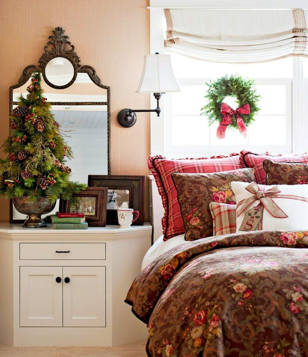 Gorgeous Master Bedroom Decor Ideas For Wintertime 35