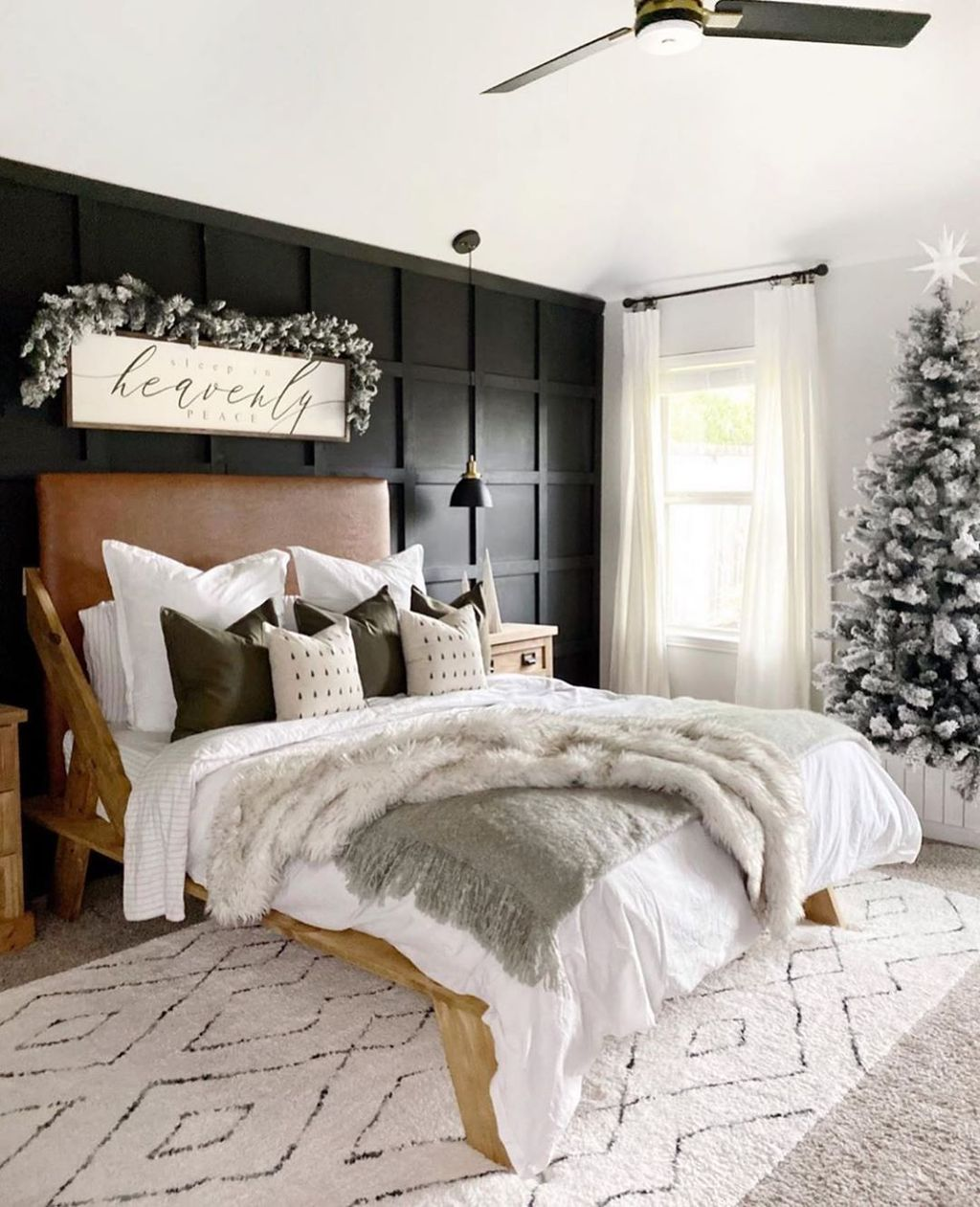 Gorgeous Master Bedroom Decor Ideas For Wintertime 36