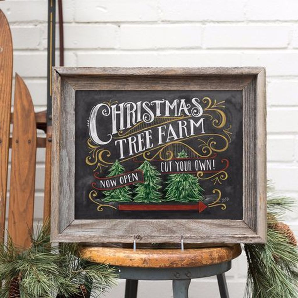 Inspiring Christmas Chalkboard Signs Design Ideas 15