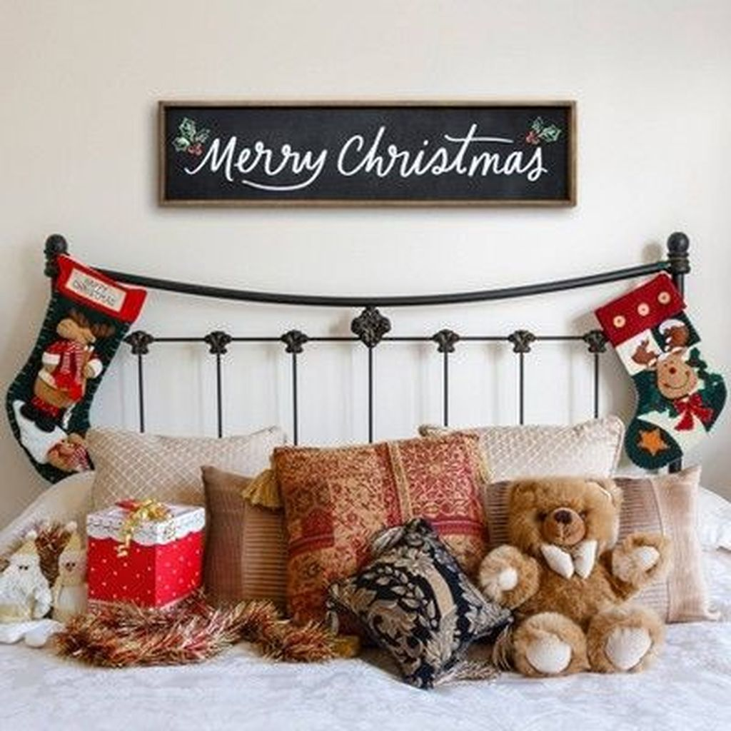 Inspiring Christmas Chalkboard Signs Design Ideas 25