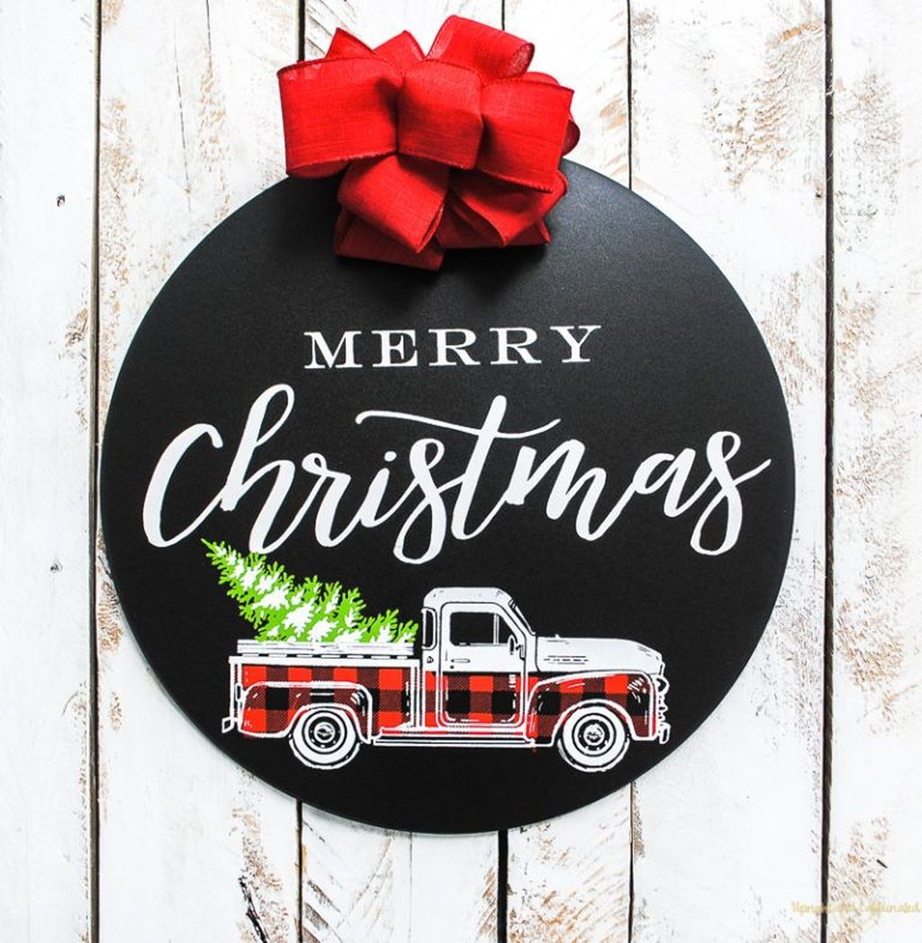 Inspiring Christmas Chalkboard Signs Design Ideas 29