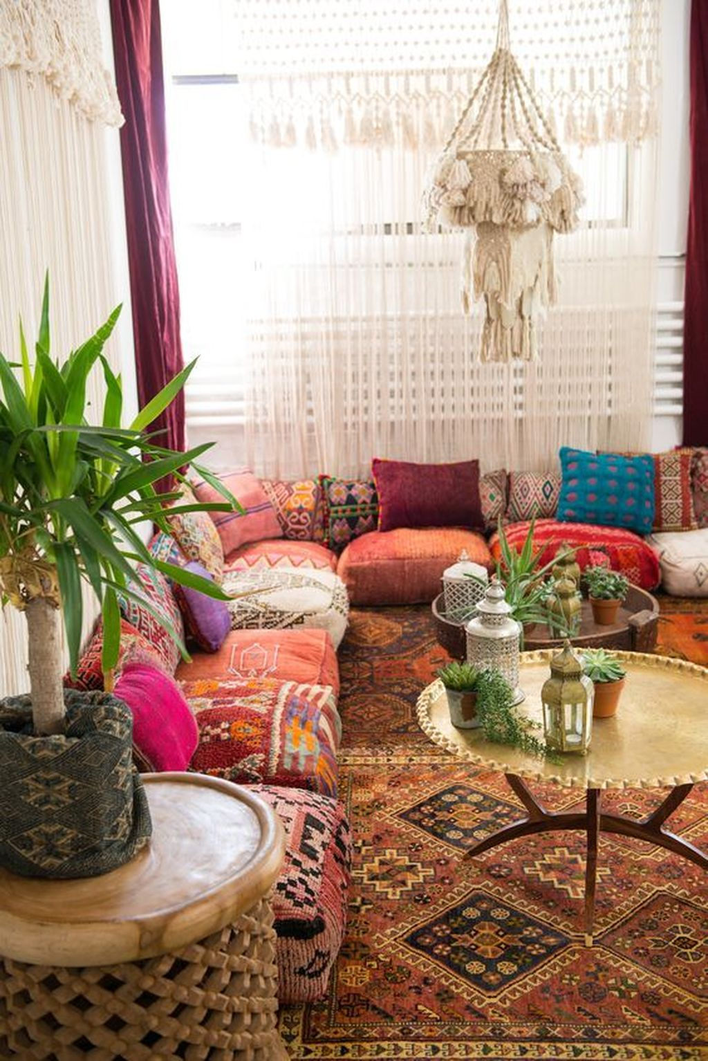 Lovely Bohemian Living Room Decor Ideas 12