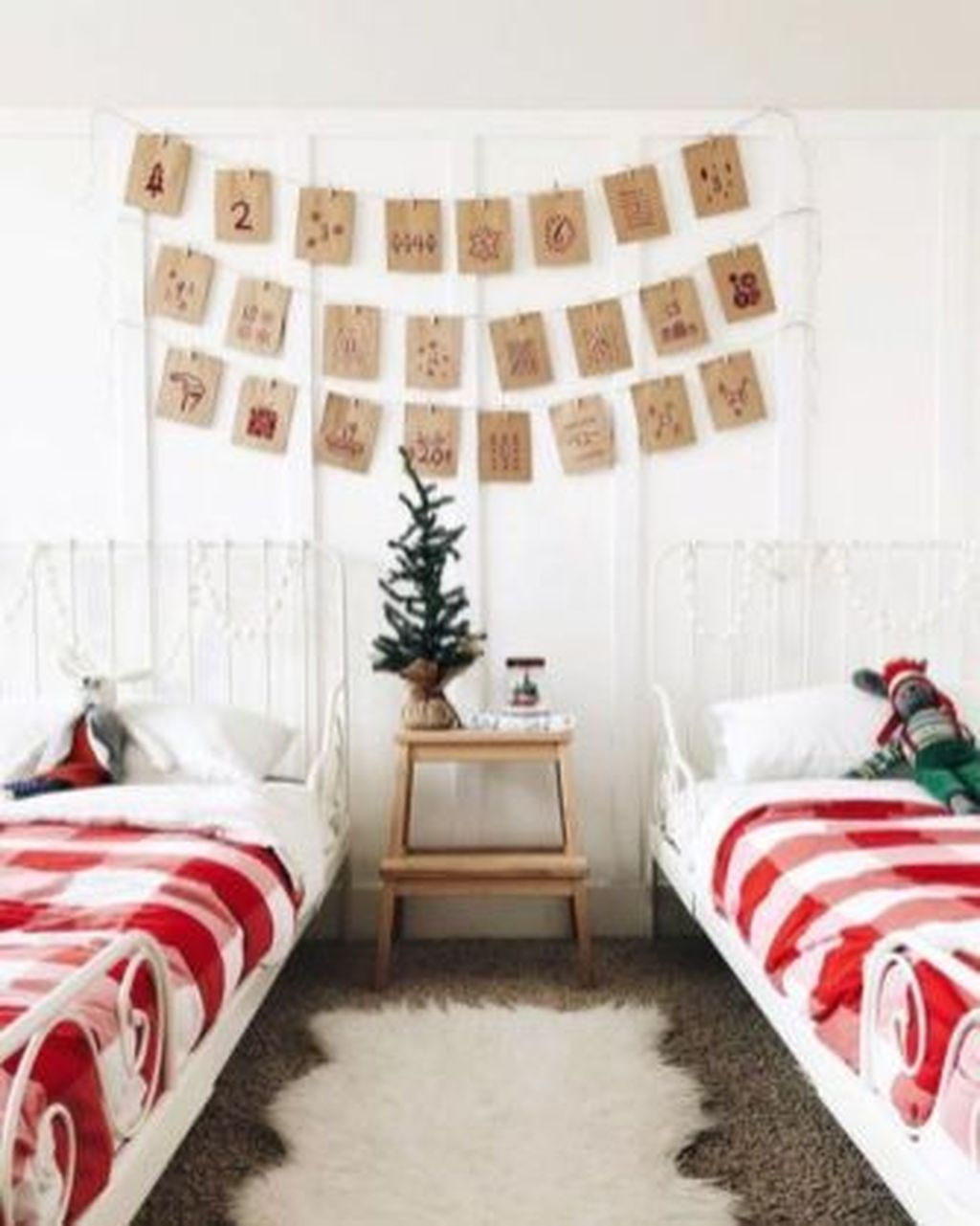 Lovely Christmas Kids Bedroom Decorations 19
