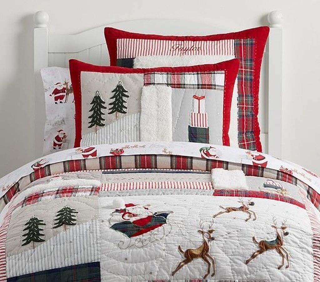 Lovely Christmas Kids Bedroom Decorations 23