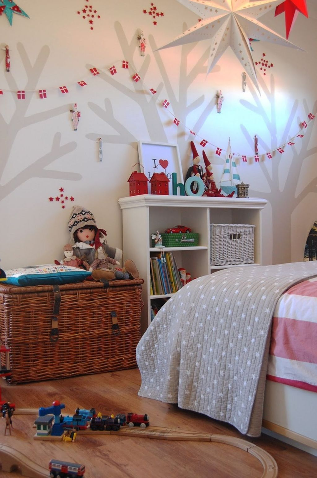 Lovely Christmas Kids Bedroom Decorations 25