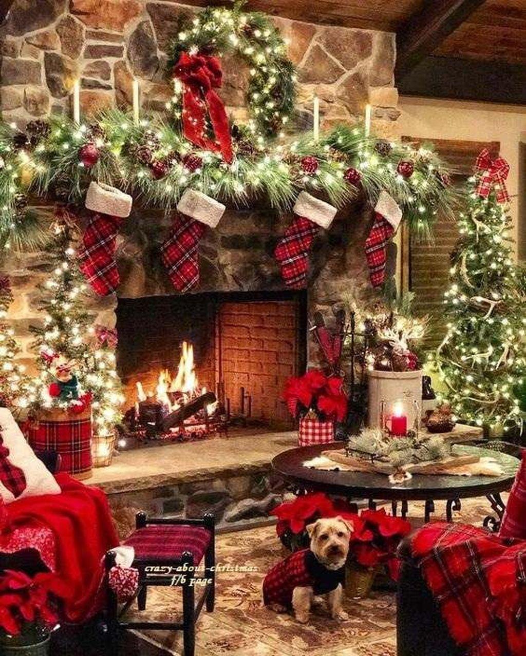 Lovely Christmas Living Room Decor Ideas 02