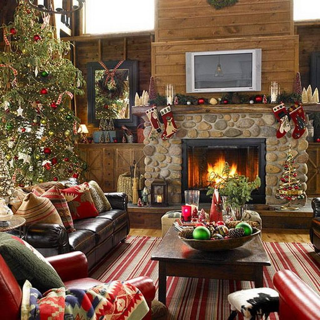Holiday Home Design Ideas: 35 Lovely Christmas Living Room Decor Ideas