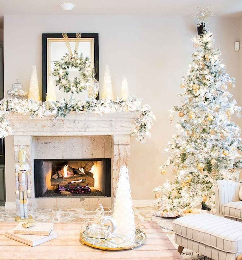 Lovely Christmas Living Room Decor Ideas 08