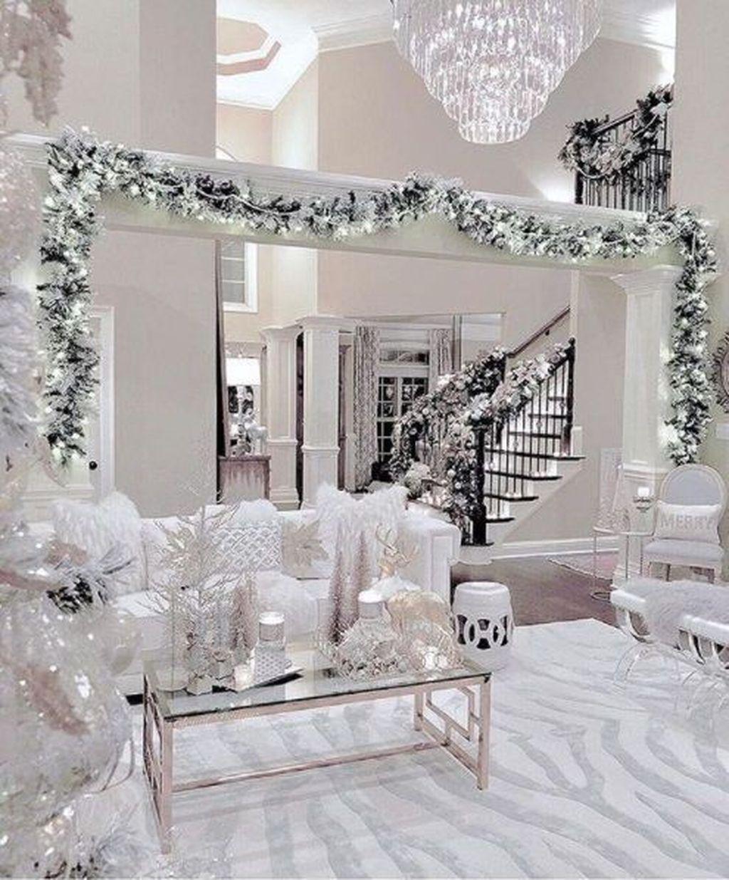 Lovely Christmas Living Room Decor Ideas 09