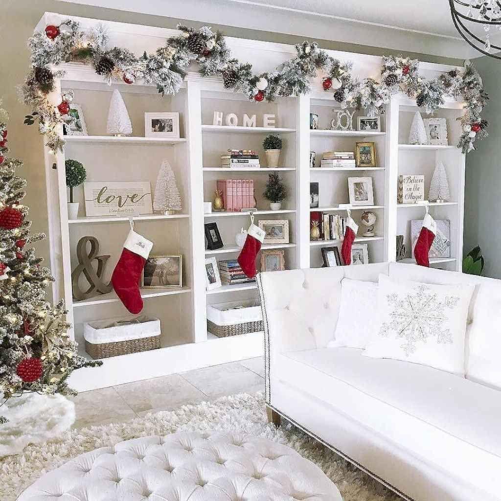 Lovely Christmas Living Room Decor Ideas 25