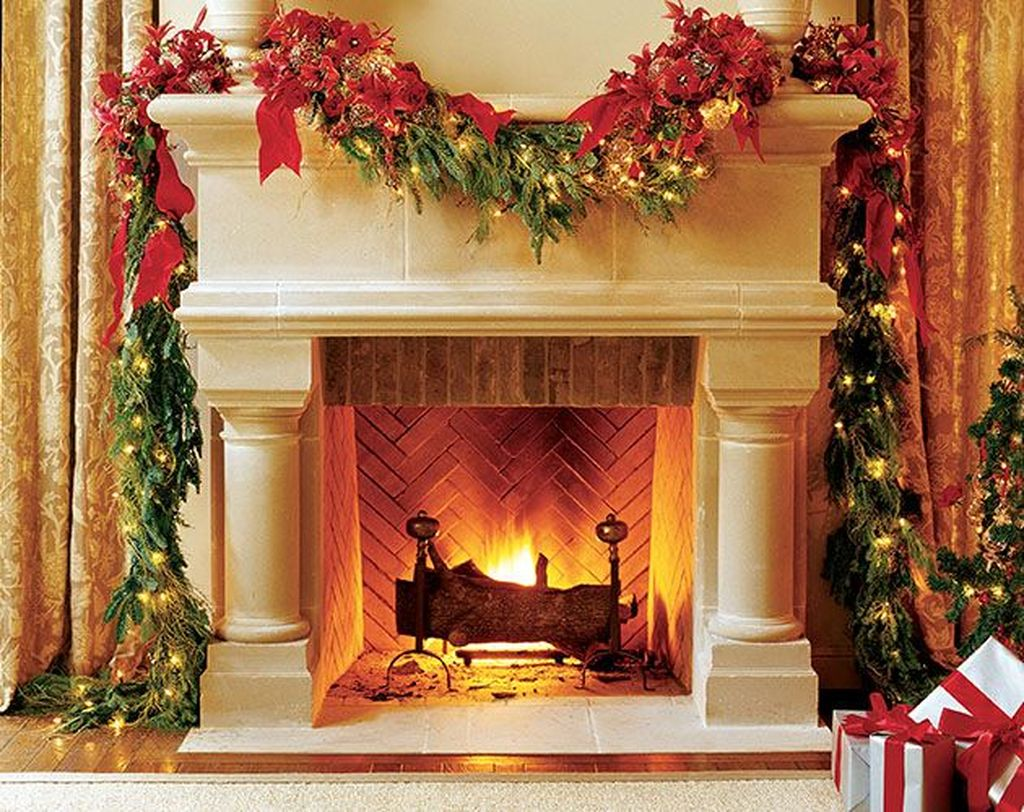 Popular Christmas Fireplace Mantel Decorations That You Like 09
