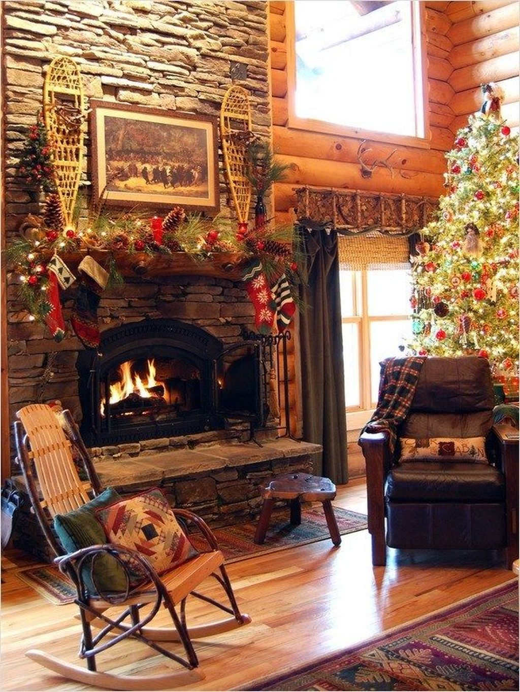 Popular Christmas Fireplace Mantel Decorations That You Like 27
