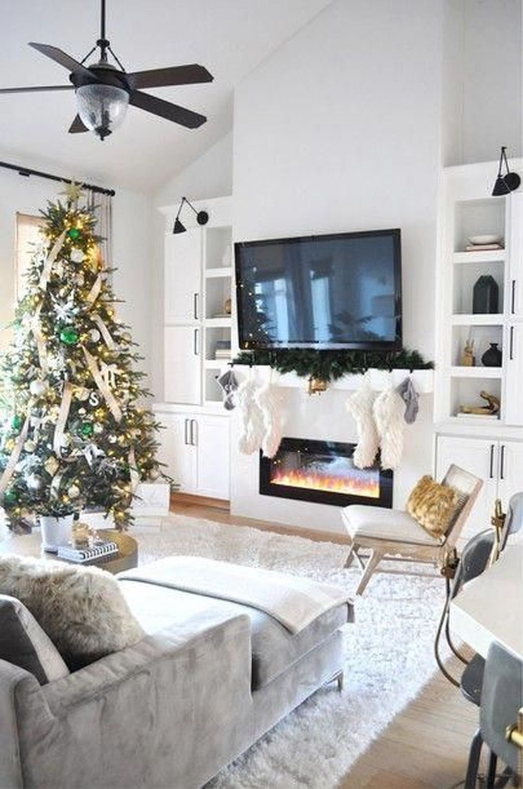 Popular Minimalist Winter Decor Ideas You Should Try 14