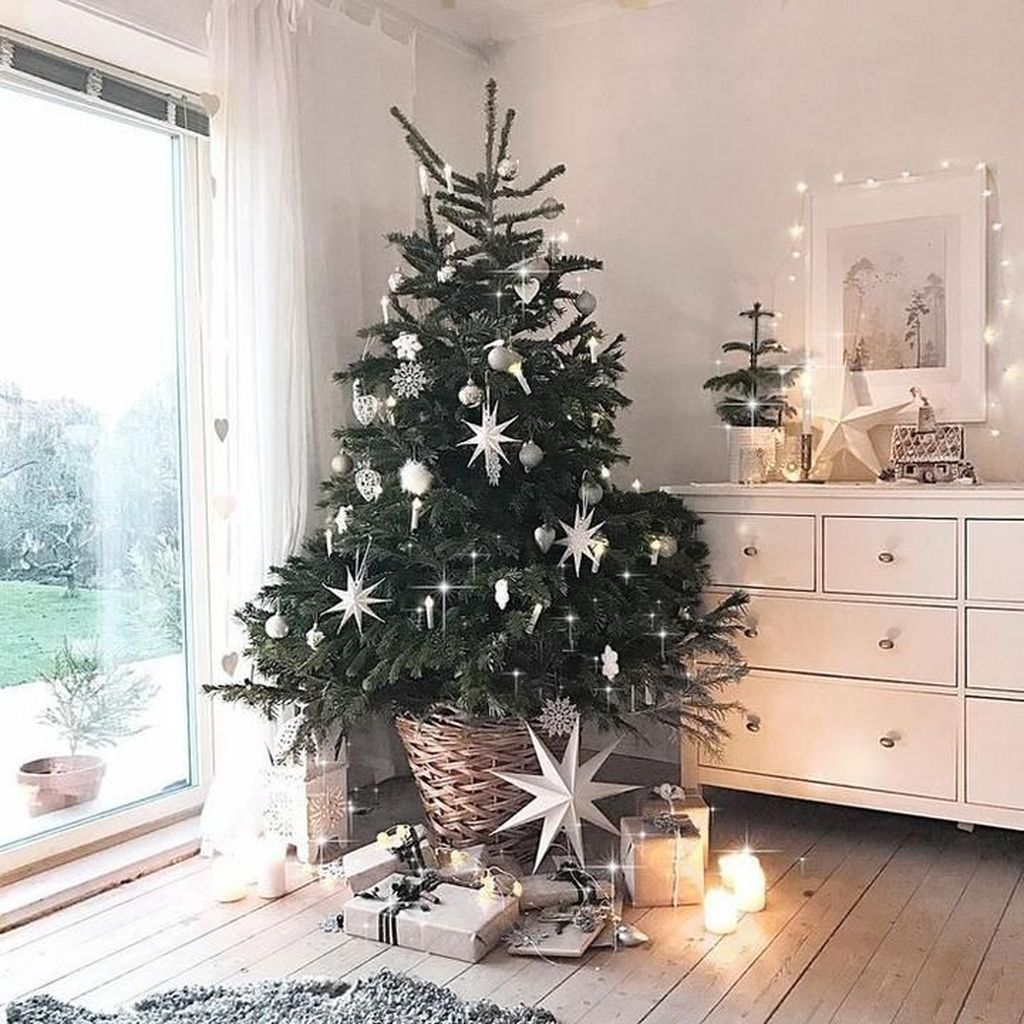 Popular Minimalist Winter Decor Ideas You Should Try 20